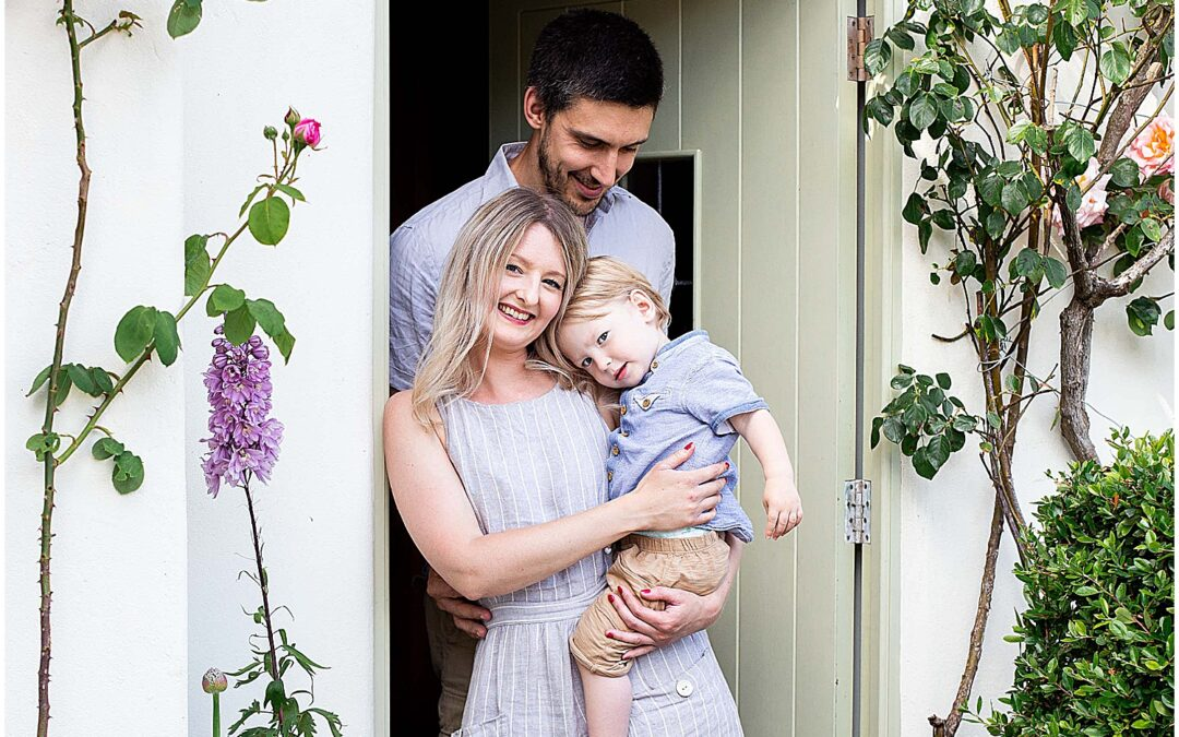 Family doorstep shoot – Cotswolds Family Photography